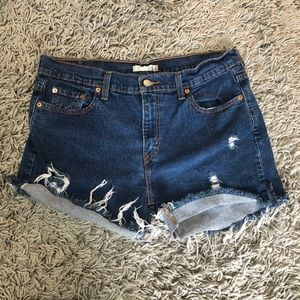 Levi's 515 distressed jean shorts size 12